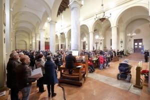 La chiesa di San Paolo piena di fedeli