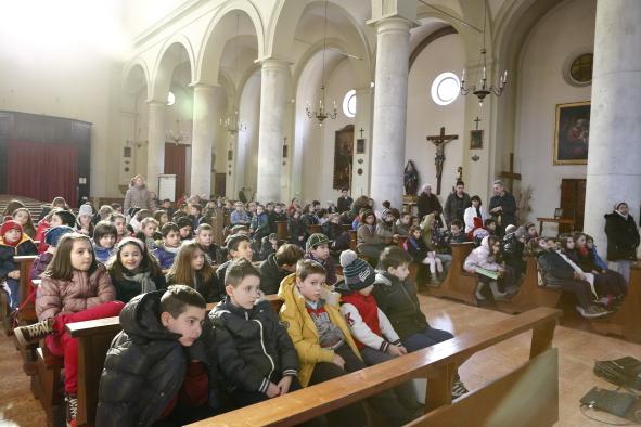I fanciulli del catechismo visionano il filmato su Don Bosco