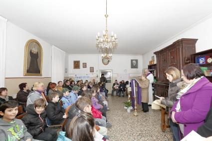 Un momento della liturgia della Parola dei fanciulli del terzo anno di catechismo