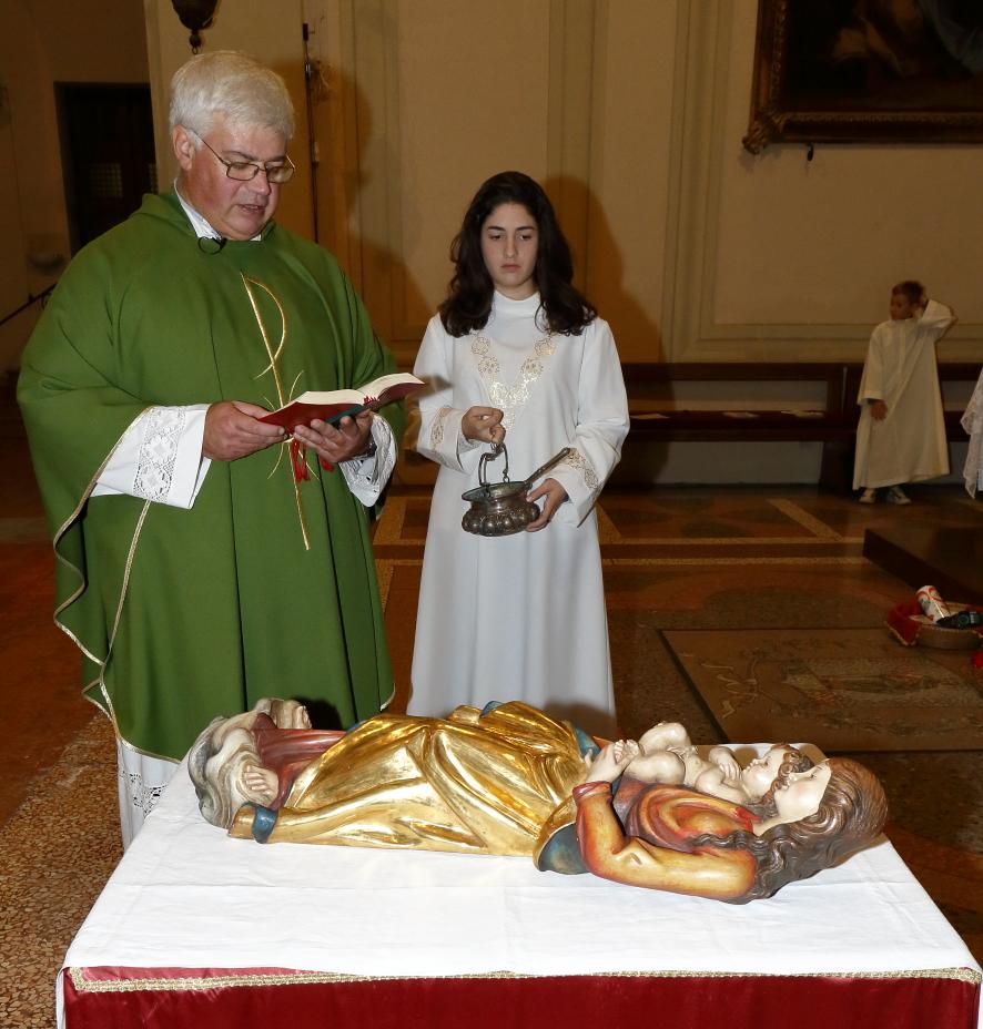 La Benedizione della nuova statua della Madonna