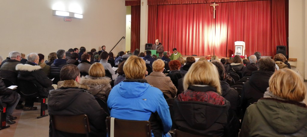 L'assemblea alla Santa Messa