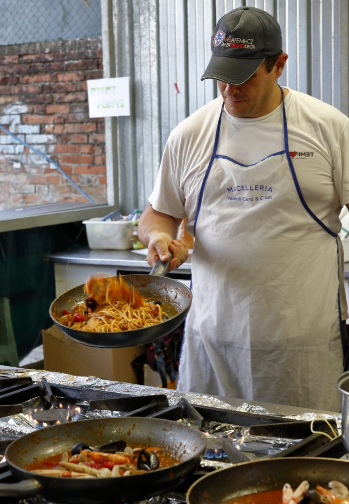 La preparazione degli spaghetti