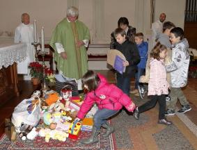 L'offerta dei bambini del catechismo