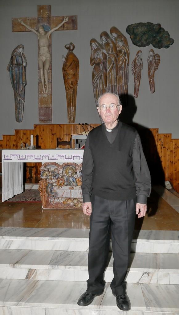 Don Alberto nella sua chiesa