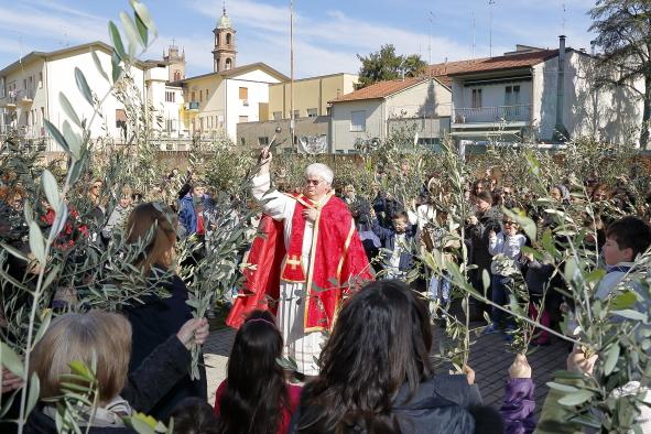 La benedizione degli ulivi all'Oratorio
