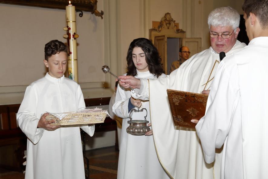 La benedizione delle Corone del Rosario