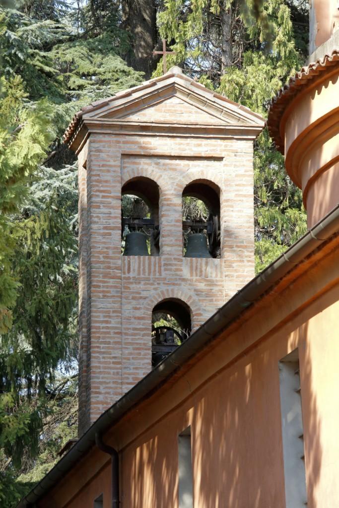 Il campanile del Santuario verso il cimitero