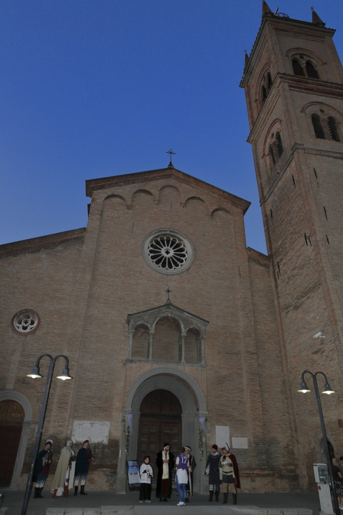 Davanti la chiesa
