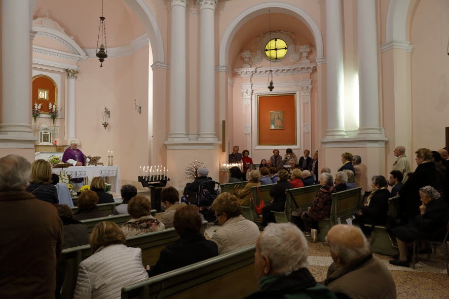 La Santa Messa per la commemorazione dei defunti nel Santuario