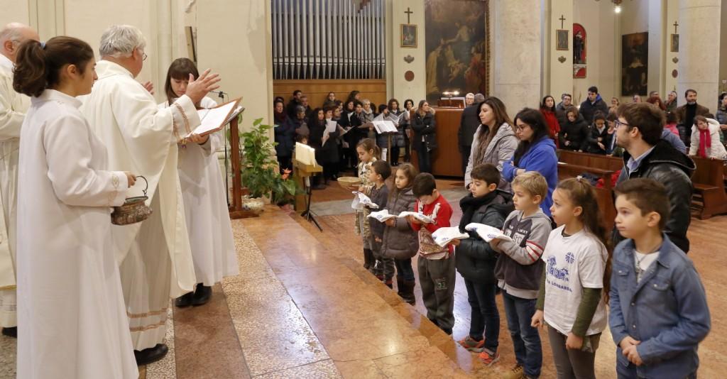 La benedizione delle tessere associative dell'Azione Cattolica