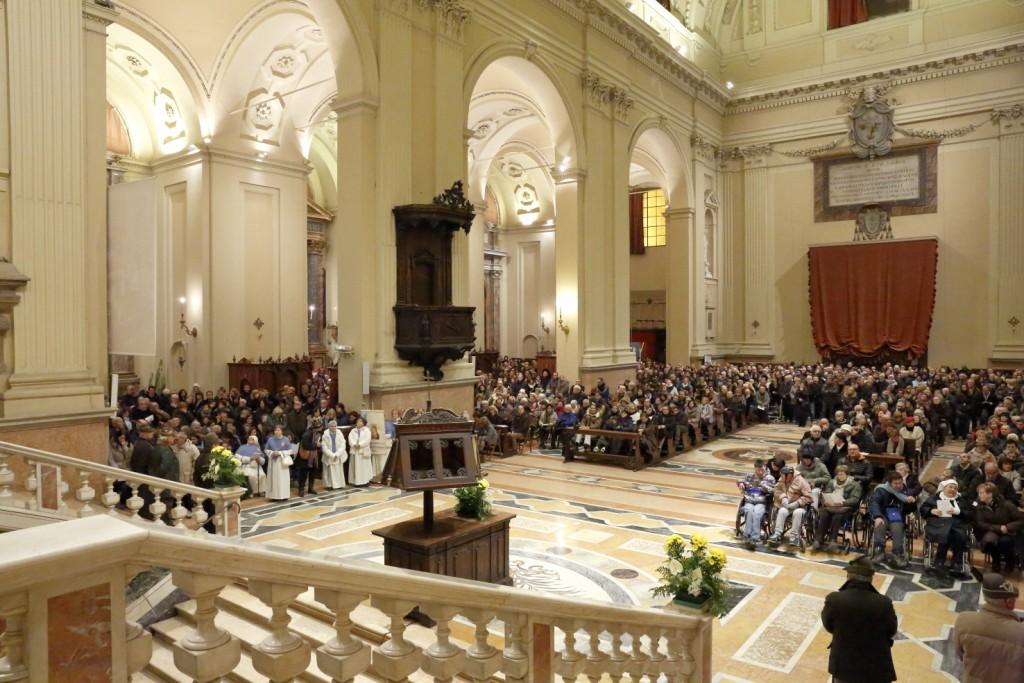 La gran folla di fedeli