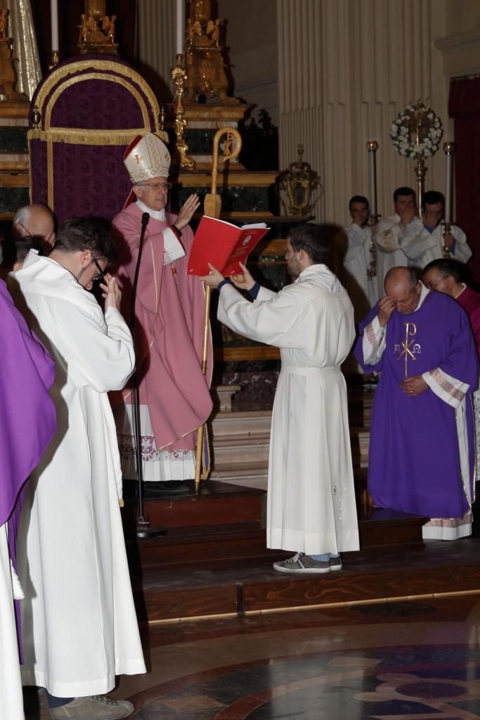 La benedizione finale del Vescovo