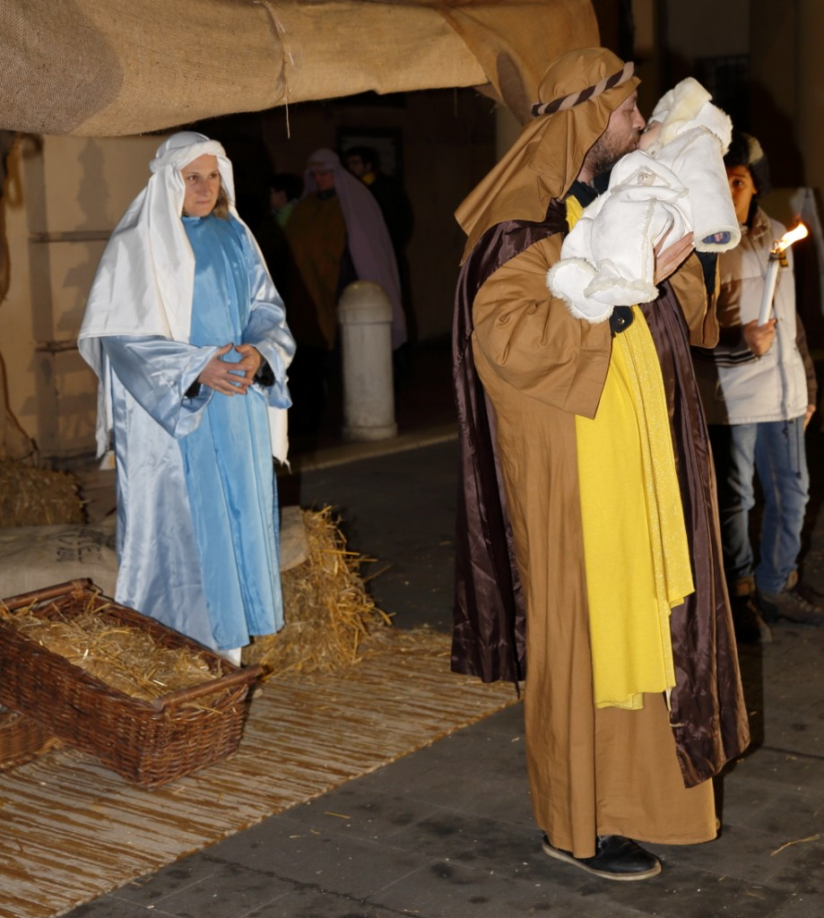 La nascita di Gesù e la sua presentazione ai pastori