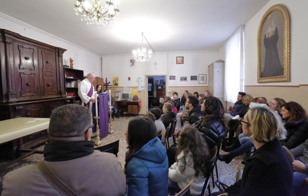 La celebrazione della Parola da parte dei bambini del primo anno del catechismo.