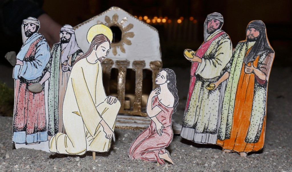 La scena completa con l'adultera davanti a Gesù che scrive sulla sabbia e i lapidatori con le pietre in mano