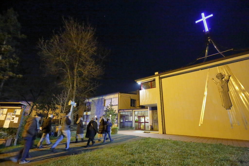 L'arrivo alla chiesa di San Giacomo