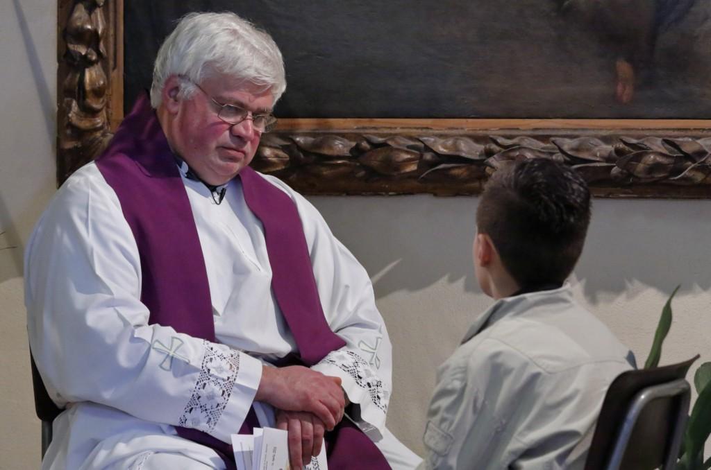 La confessione davanti al sacerdote