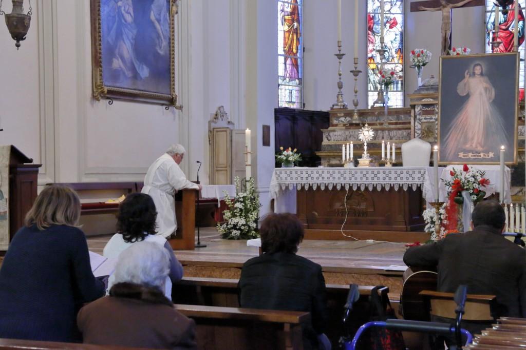 Alcuni momenti dell'adorazione eucaristica