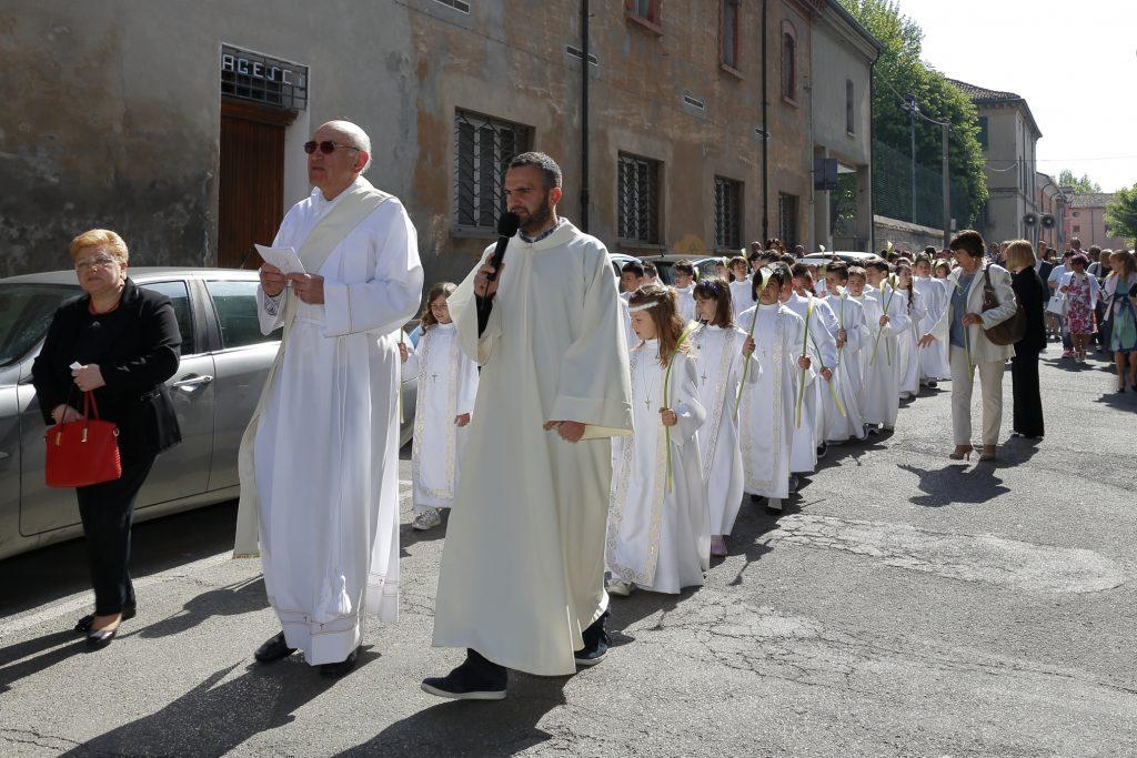 La processione verso al chiesa di San Paolo