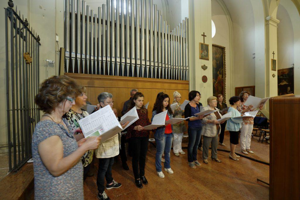 L'animazione della Santa Messa da parte del coro San Paolo