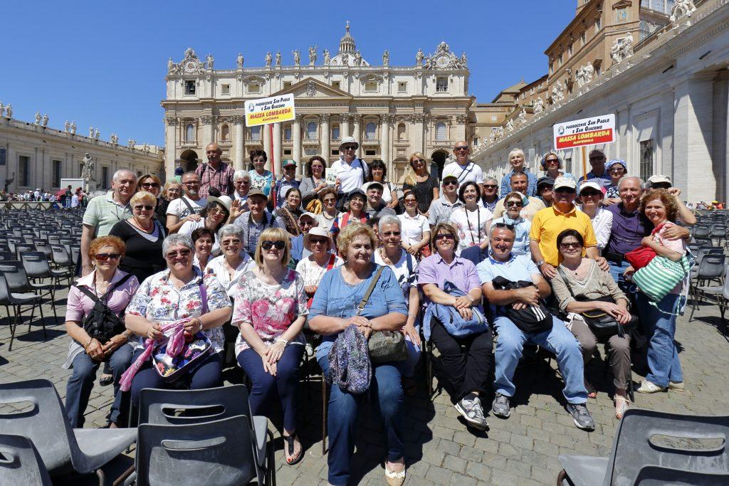 Foto di gruppo in Piazza San Pietro