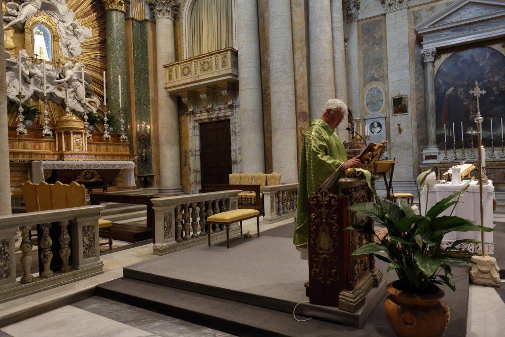 La Santa Messa in San Salvatore in Lauro
