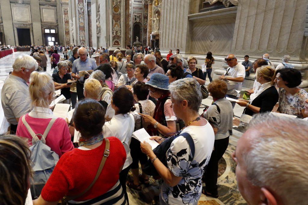 La quarta sosta del pellegrinaggio massese meditando il dono del Consiglio