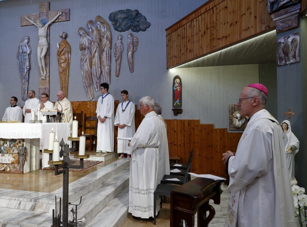 La celebrazione eucaristica presieduta da Don Alberto