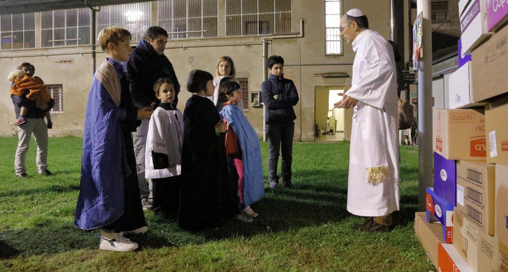 Le squadre incontrano i Santi che propongono loro i giochi: San Giovanni Paolo II
