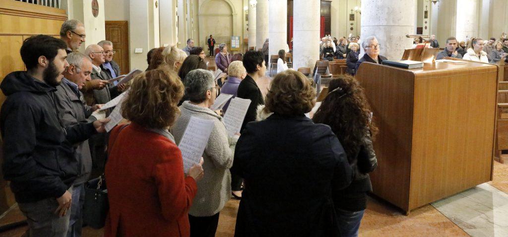 Il coro San Paolo anima la liturgia
